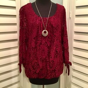 Roz & Ali Wine Lace Top, Large, EUC