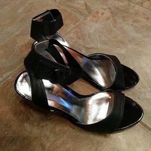 "Black 3.5"" heels"