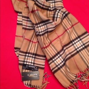 Burberry look plaid scarf by V. Fraas