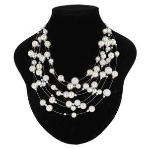 Other - IVORY SILVER Pearl Necklace Glitter Metallic Pearl