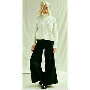 NWT Urban Renewel x UO wide leg pants. Small