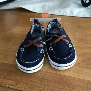 Carter's baby boat shoes size 9-12 months