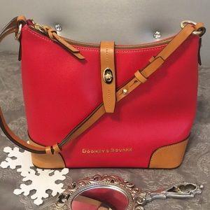 NWOT Dooney & Bourke leather shoulder bag