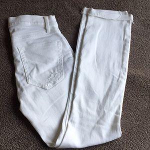 Gap white jeans Slim Straight 👖🌺🌹🌸