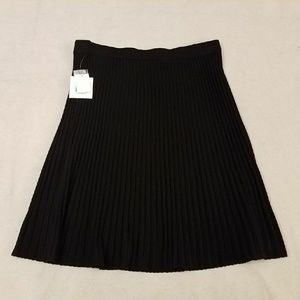 Anne Klein Black Knit Pleated A-Line Swing Skirt