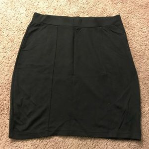 H&M Black mini skirt women's size: Med
