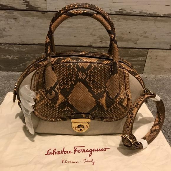 31e54077577c Salvatore Ferragamo Bags