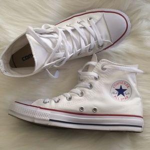 Converse chuck Taylors women's size 8 white hi top