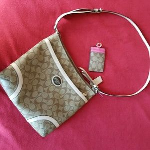 Coach F18920 Authentic Leather Shoulder Bag