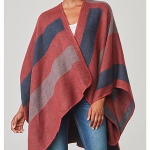 BB Dakota Poncho-Mulberry color