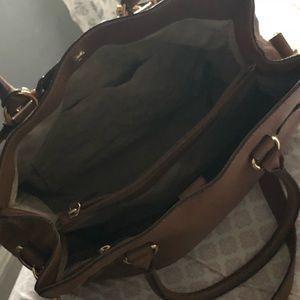 Good condition Michael Kors leather bag,