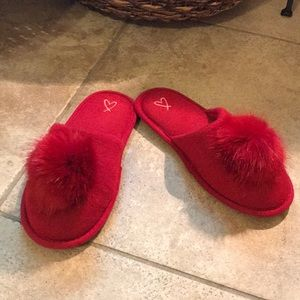 ❤️ Victoria's Secret red Pom slippers  ❤️