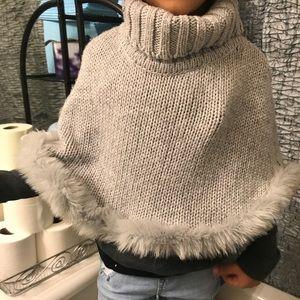 Girls gray faux fur cape/poncho