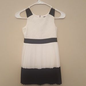 Girls pleated dress size 7