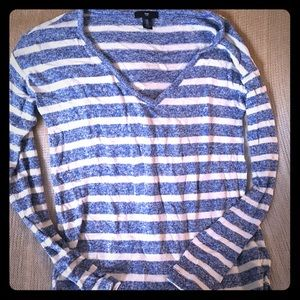 GAP L/S sweater.