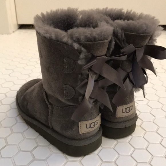 b5994564534 UGG girls grey Bailey Bow Ugg boots