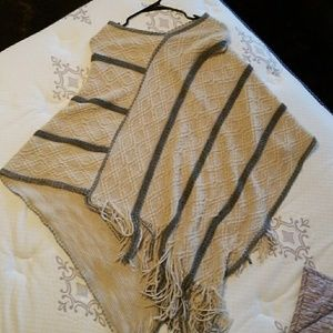 Sweaters - One size poncho