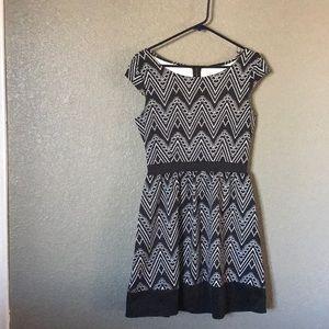 Black and white geometric printed dress