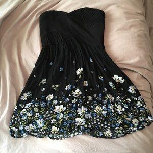 Kimchi Blue Strapless floral black dress