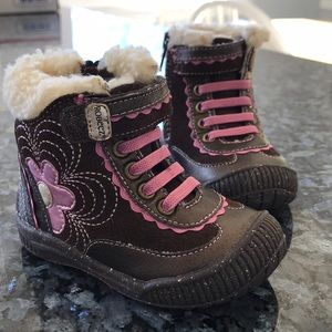 Sz 4 Robeez Brown & Pink Faux Fur trimmed boots