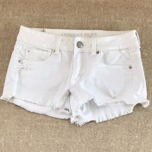 😀American Eagle distressed shorts