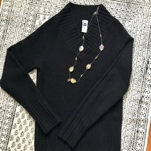 Gap 🎉Super Soft🎉 Black Sweater