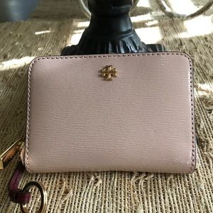 New Authentic Tory Burch Robinson Patent Zip Coin