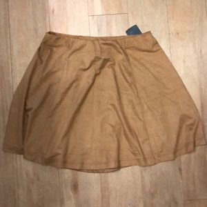 Brown skirt!