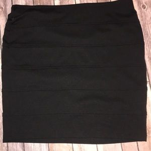 Forever 21 Plus Size 1X Black Mini Skirt