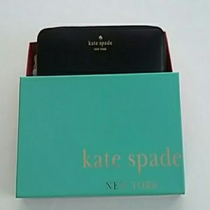 Like New Kate Spade Black Mikas Pond Lacey Wallet