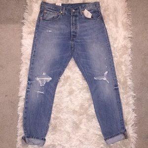 BRAND NEW! Levi's 501 original fit boyfriend jeans