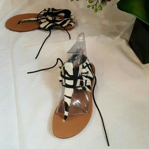 Genuine leather/fur black and whitelace-up sandals