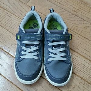 "Stride Rite Boys Sneakers - ""Kaleb"""
