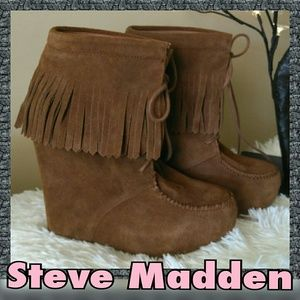 EUC Steve Madden Leather Fringe Ankle Boots