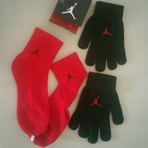 Kids Air Jordan Socks and Gloves, new with tag