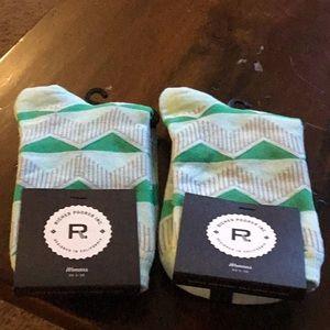 2 Pairs of Women's Richer Poorer Inc. Socks NWT