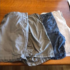 4 pairs of men's shorts