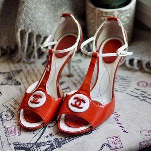 CHANEL | Ivory Patent Leather Peep-toe