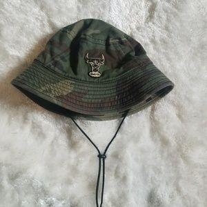 Bulls camo hat