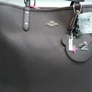 Black and fasionable coach bag