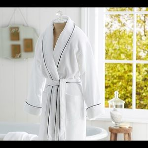 Pottery Barn Hotel Piped Trim Robe NWOT