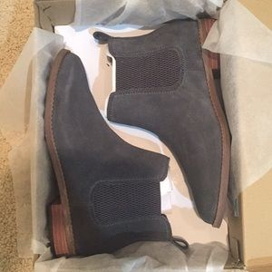 NWT Toms gray booties