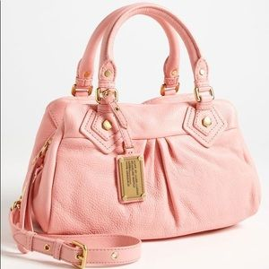 Marc jacobs leather Q baby Crossbody bag purse