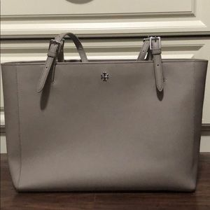 Tory Burch York Buckle Tote in French Grey