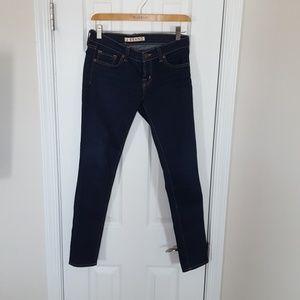 J Brand Dark Skinny Jean 910 ink Size 26
