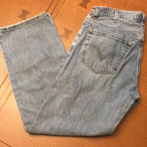 Light Wash Relaxed Straight Levis 38x34