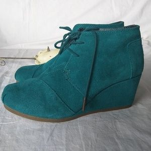 TOMS Turquoise Green Suede Wedge  Booties