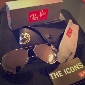 Ray-Ban Aviators in Silver Flash 58mm