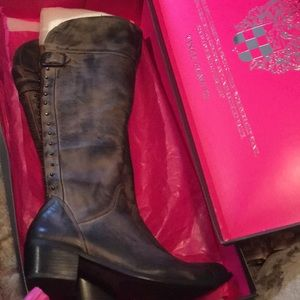 Vince camuto Size 8 1/2 boots