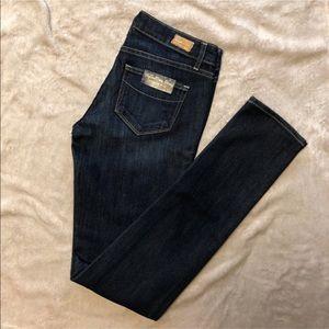 PAIGE Skyline Skinny Diva Jeans